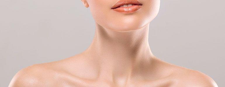 Изображение Как подтянуть шею: самостоятельно или с помощью косметолога?